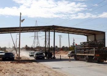 armés libyens à la périphérie de la ville de Zaouïa.